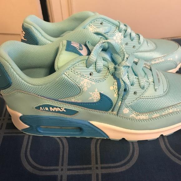 f9408f0c1a23 Brand New Women s AirMax Nike Sneaker